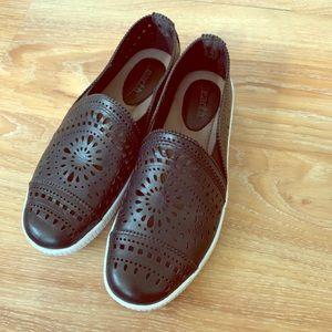 Skechers black slip on shoe size 5